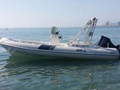 乘船游览Cabo de Gata模式1小时。