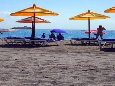 出租用于桨冲浪的遮阳伞和吊床