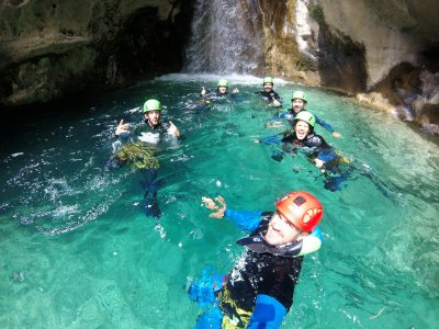3-4h canyoning in Rio Verde