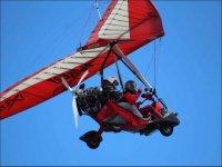 塞哥维亚的电动悬挂式滑翔机