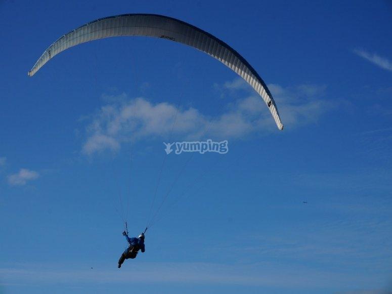 Adrenaline boost in paragliding