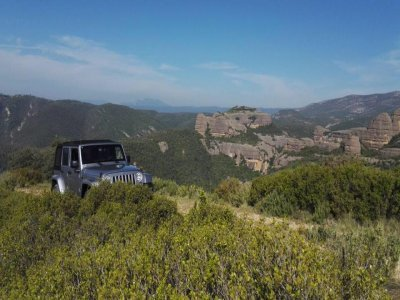 Excursión 4x4 Pirineos de Lleida con barranquismo