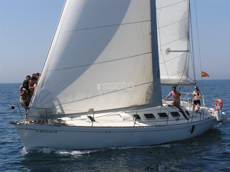 遨享仕内享受帆船骑