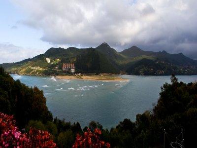 Surf & English Campsite in Vizcaya - 8 days