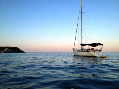 Sailboat rental in Girona for a day