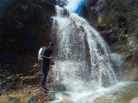 在Sierra de Cuenca峡谷的poyatos 5小时