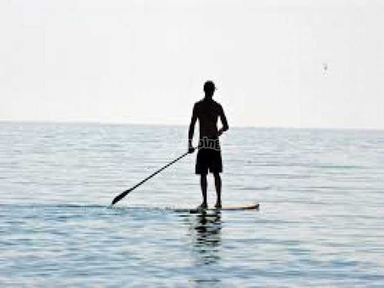Paddle surfing in Girona