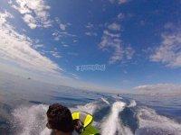 其次是水上摩托艇
