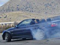 Dejando las ruedas en el asfalto