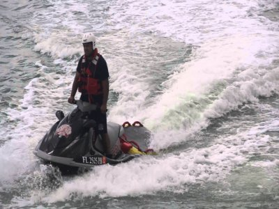 Alquilar 8 motos de agua en Costa Brava 45 minutos