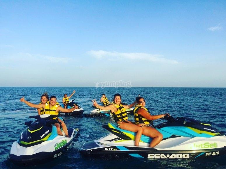 Grupo en motos de agua Alicante