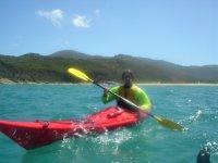Equipado para navegar en Kayak