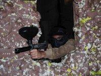 用手套和面具射击保护