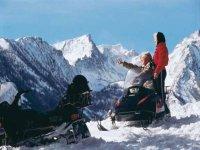 Paseo moto de nieve.