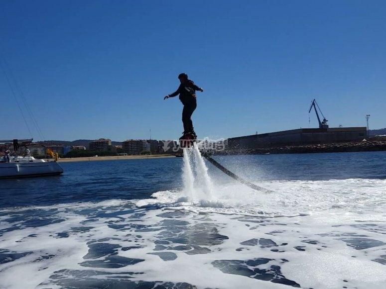 Levantando el vuelo en el agua
