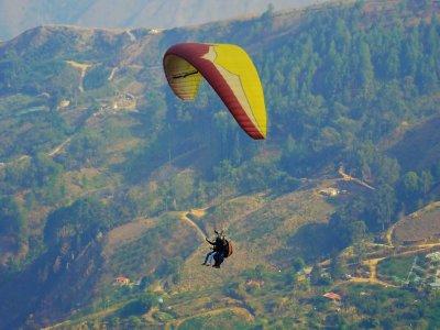 Alarilla完成滑翔伞课程2周