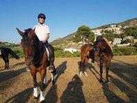 Sobre los caballos para empezar la ruta