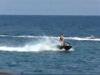 Ruta por la costa en moto de agua