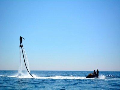 Flyboard en Andreu Llavanares con Jetovator