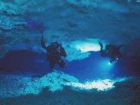 Grutas submarinas