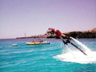 儿子Xoriguer海滩上的Flyboard 1小时
