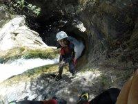 山沟Sima del Diablo 4h的下降