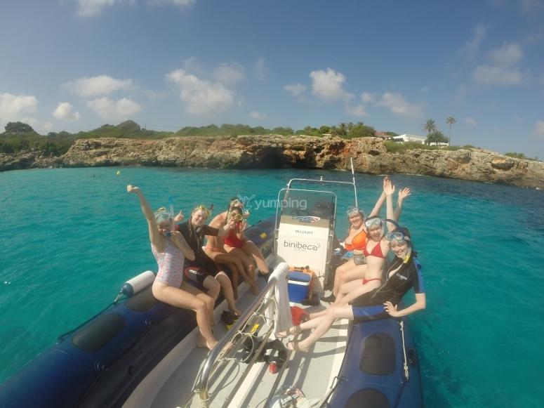 在梅诺卡岛浮潜