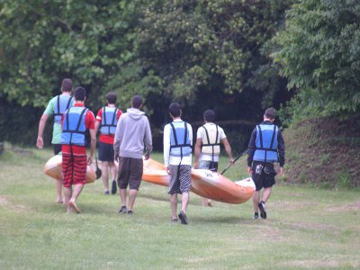 Bachelor/ette party with canoes in Urdaibai