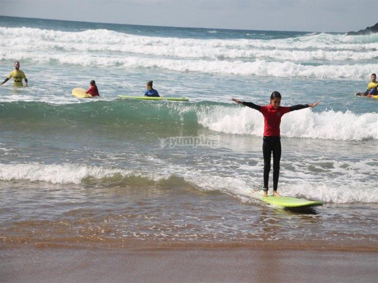 Haciendo surf
