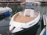 Barco en Menorca