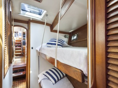 Navega en velero por Barcelona, catering, 4 horas