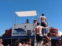 cabina del dj en un barco