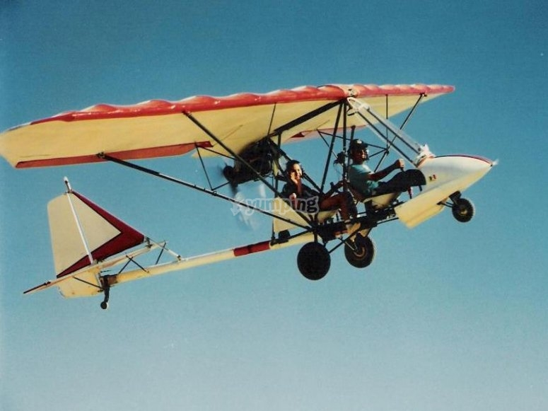 Jornada de vuelo aeronave por el Valle de Losa