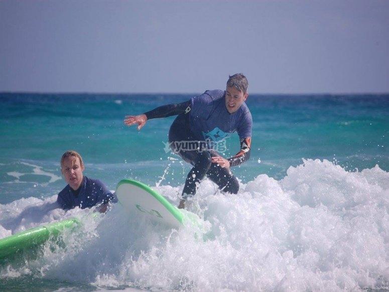 Surcando las primeras olas