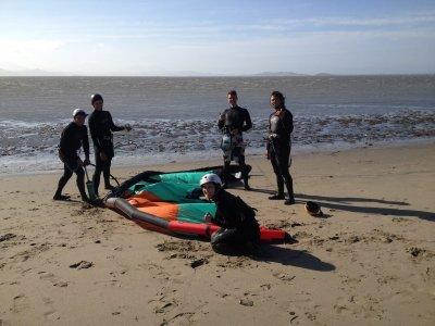 格拉纳达为期3天的风筝冲浪集体课程