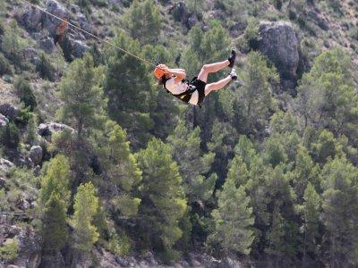 Hacer 2 saltos de puenting en Yeste vídeo y fotos