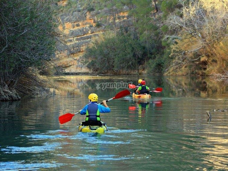 Remando desde los kayak