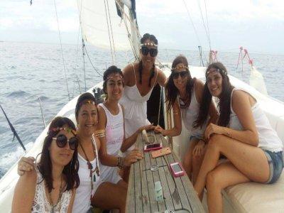 在特内里费岛的帆船告别,两个小时