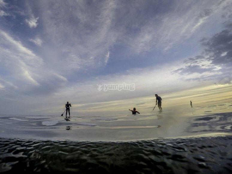 Haciendo paddle surf.jpg