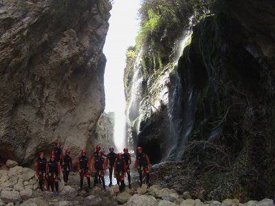 Descenso de barrancos Pozo Alcón con espeleología