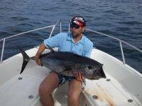 在伊比沙岛钓鱼