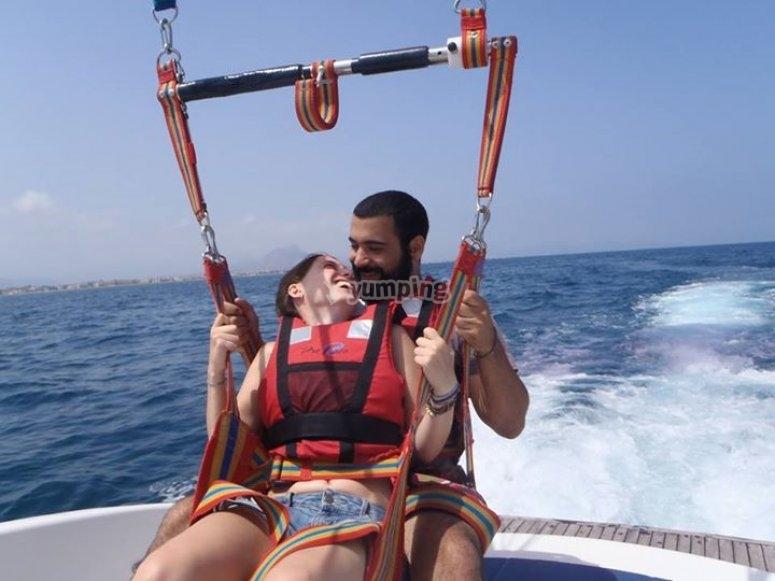 Parasailing in coppia