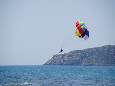 Parasiling in Ibiza + a beer