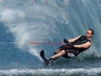 与朋友一起滑水 -  -9-水上滑雪