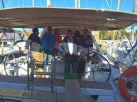 乘船前往马略卡岛钓鱼3小时