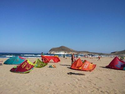 在塔里法进行风筝冲浪的私人课程2小时