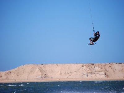塔里法的风筝冲浪课程仅限两人