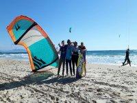 沙滩上的风筝冲浪