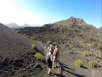 在Timanfaya火山徒步4小时