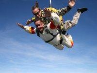 Cayendo en paracaidas a toda velocidad